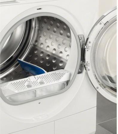 Electrolux asciugatrice 8 kg a 60cm condensazione pompa for Asciugatrici condensazione o pompa di calore